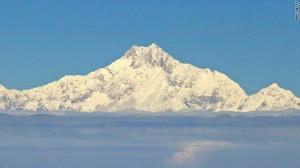 Mount Everest gets 3G mobile network