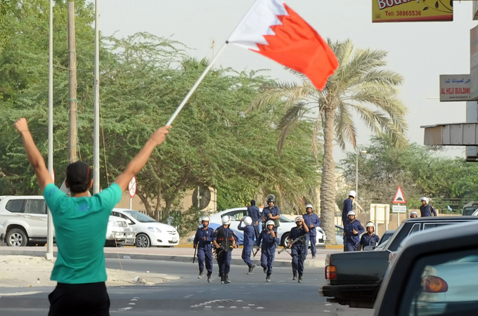 Pakistani troops aid Bahrain's crackdown