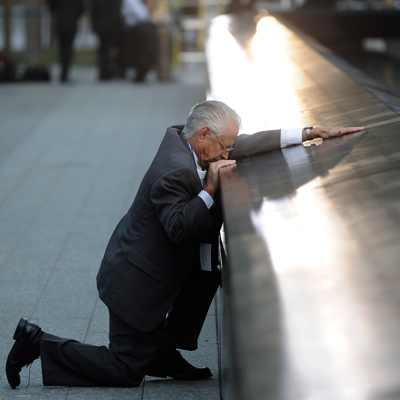 9/11 : Obama Leads US In Mourning