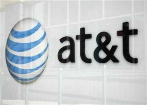 AT&T fights back at U.S. challenge of T-Mobile deal