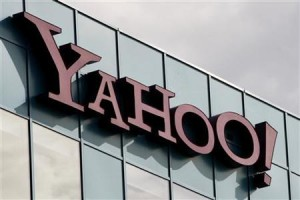 Microsoft considers bidding for Yahoo