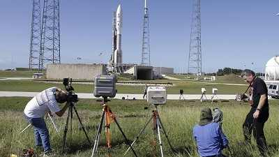 Nasa's Mars rover set for blast-off