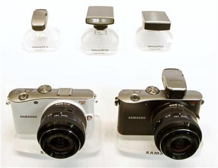 Samsung plans hybrid cameras, seeks big sales rise