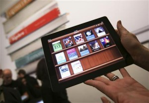 Apple rejects e-book pricing collusion charge