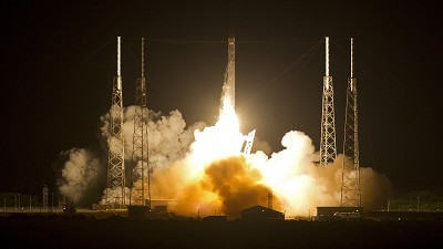 Private rocket heads for spaceport