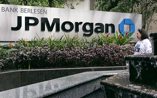 JP Morgan cuts price target of U.S. hardware companies