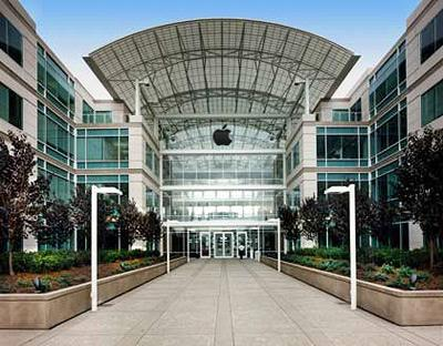 Apple, Samsung take patent fight to crucial California trial