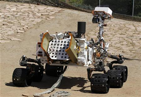 NASA rover closing in on Mars to hunt for life clues