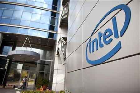 ASML wins funds for chip technology from Intel