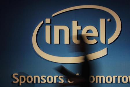 Intel seeks software experts in growing Windows tablet push