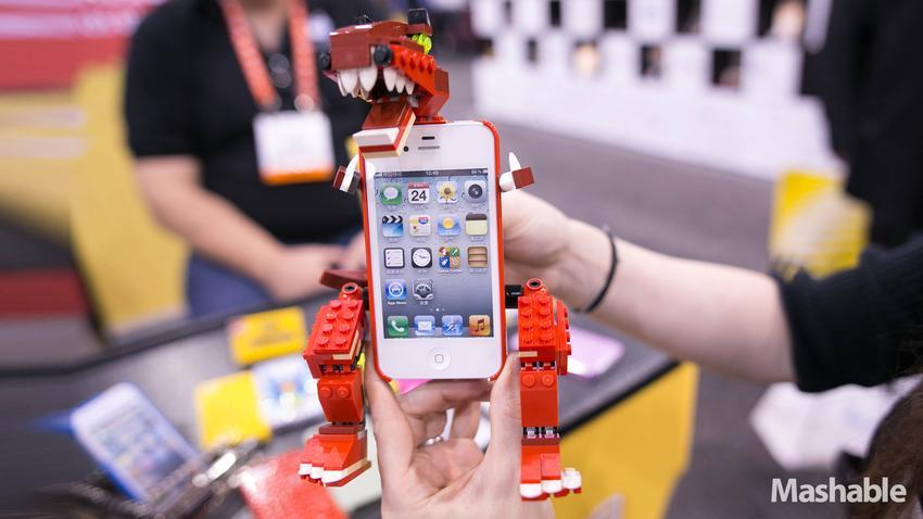 Lego-Inspired iPhone 5 Cases Will Make You Geek Out