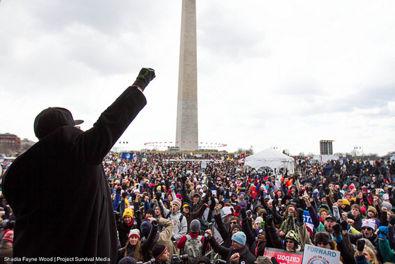 Over 35,000 march on Washington demanding climate action and rejection of Canada's 'carbon bomb'