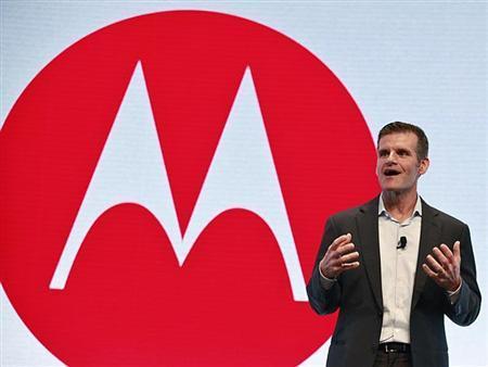Motorola hits comeback trail with new U.S.-made phone