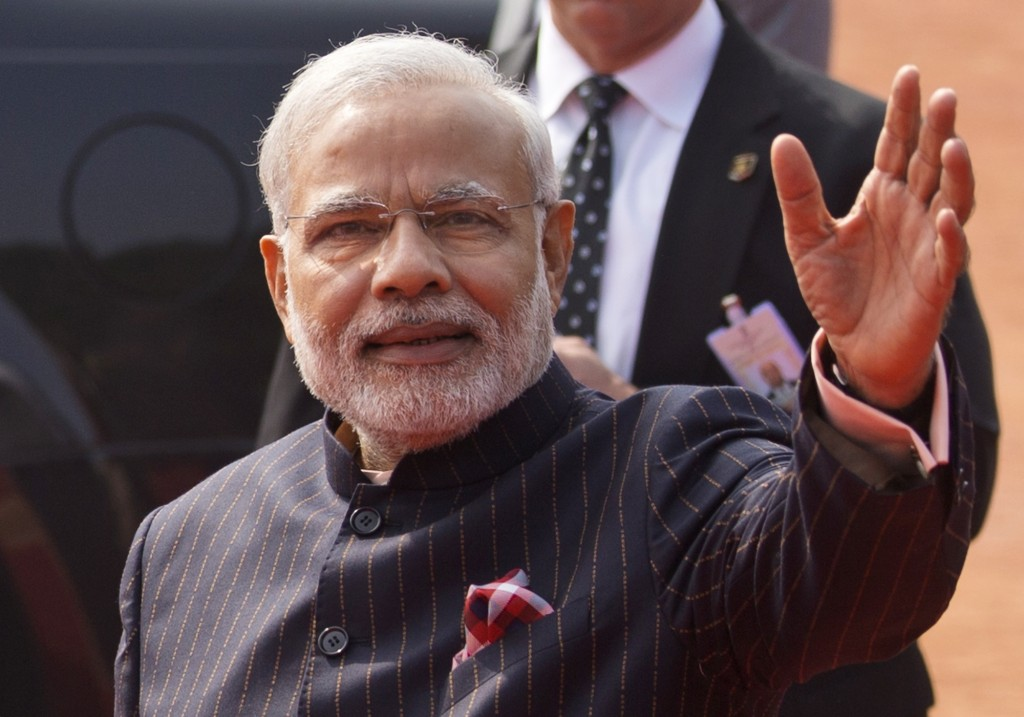 Indian diamond trader buys Modi suit for $700,000
