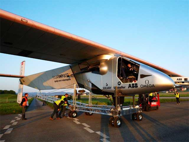 Solar Impulse plane begins epic global flight