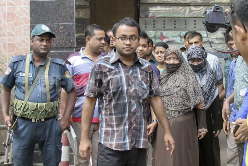 Family members meet Mujaheed in jail