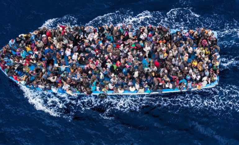 Over one million reach Europe by sea in 2015: UN
