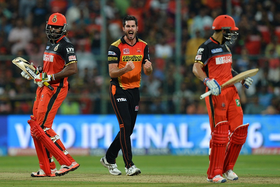 Sunrisers choke RCB chase for first title