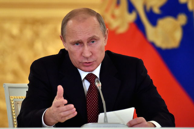 Putin tells Obama US-Russia dialogue key to global stability